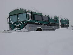 Snow Bus (shumpei_sano_exp8) Tags: snow bus home bluebird schoolbus rv busconversion