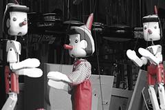 Pinochos  Pinocchios (f f) Tags: islands canarias tenerife canary teneriffa showcase pinocchio marionette pinocho escaparate kanarische inseln schaukasten