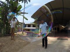 Seifenblasen in Behinderteneinrichtung in Ittapana, Sri Lanka 12
