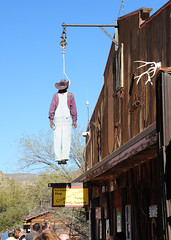 Well hung - Tortilla Flat (D70) Tags: old arizona usa mountain west forest fire town apache flat flood rope historic well trail stop national hanging dummy range tonto tortilla superstition 1904 stagecoach authentic hung noose apachetrail remnant nestled midst