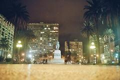 El General (Javalactico) Tags: plaza color film night square uruguay kodak nocturna pelicula montevideo praktica mausoleo rollo artigas largaexposicin plazaindependencia ciudadvieja indepencia supertl1000
