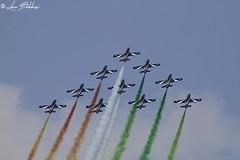 Ascesa (Luca Bobbiesi) Tags: aronaairshow airshow airplane arona piemonte freccetricolori voloacrobatico pattugliaacrobatica aermacchi pan formazione canoneos7d canonef100400mmf4556lisusm