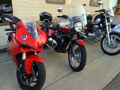 #Ducati Panigale and #Triumph Bonneville (cbaldwin24) Tags: triumphbonneville t100 classic motocycle motorbike panigale 1299 yamaha virago southhaven michigan lakemichigan red