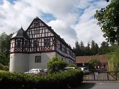 Eichelbacher Hof (schremser) Tags: deutschland hessen taunus eichelbacherhor haus gebude fachwerk fachwerkhaus wasserburg burg restaurant