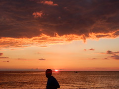 Man and Sunset (mikecogh) Tags: glenelg sunset horizon silhouette glow sea
