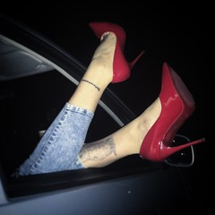 Red heels (narpuretolnim) Tags: sexyheels sexyfeet shoeplay redpumps highheels redheels