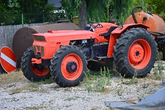 Tracteur SAME (4x4 / 4RM) (xavnco2) Tags: pontfire italie italia italy tracteur agricole farm tractor trattore agricolo classic old vecchio same 4rm awd 4x4 orange