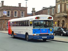 Stagecoach Chester 29882 - CX02 ECC (North West Transport Photos) Tags: stagecoach stagecoachmerseysideandsouthlancashire stagecoachmerseyside stagecoachchester stagecoachchesterwirral bluebird bluebirdaare tc2000 29882 cx02ecc chester chesterrailwaystation drivershunts bus first firstchester firstpmt 521 60032
