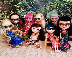 It's Anouk's Labour Day Luau! 🌴 Dress your dolly in her Hawaiian finest and join us! 🌸 (endangeredsissy) Tags: blythe blythedoll kennerblythe 365blythe endangeredsissy handmade dollclothes vintagefabric retro hawaiian luau cinnamongirl mondrian goldie allgoldinone marrakechmelange misssallyrice pennyprecious