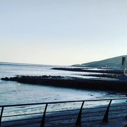 En nuestra visita de hoy al Puertito de #Güimar hemos estado apunto de meternos a nadar 🏊🌅 ...pero, es #Lunes y el deber nos llama! 😌 Seguimooos! 😉 #Edificación #Tenerife
