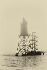 Leuchtturmdenkmal (jenswagner) Tags: leuchtturm leuchtturmdenkmal obereversand nordsee watt wursterland architektur niedersachsen deutschland nebel kste bw