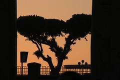 Ombres chinoises gyptiennes (Pi-F) Tags: egypte nil fleuve ombre silhouette lumire soleil couchant colonne