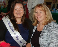 Shannon Alexander, the 2015 Mary from Dungloe, and her mom
