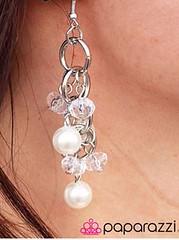 5th Avenue White Earrings K2 P5611-2