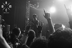 33 (reaoubien) Tags: leica blackandwhite bw monochrome live rocknroll brmc photoworks stagephotography petehayes reaoubien