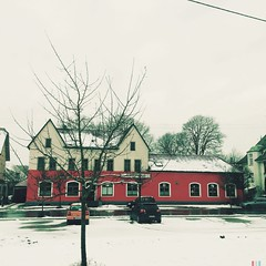 SPIELOTHEK PIK ASS (Casey Hugelfink) Tags: red house snow gambling germany badenwrttemberg sigmaringen spielothek pikas gamblinghouse