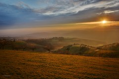 Tramonto in Lessinia__3 (Ivo Mar Marchesini) Tags: winter sunset panorama tramonto photographer verona paesaggio monti autofocus veneto lessinia greatphotographers topshots greenscene weatherphotography photosandcalendar elitephotography worldwidelandscapes photoshopcreativo panoramafotográfico saariysqualitypictures thebestofmimamorsgroups greatshotss vividstriking peopleenjoyingnature theoriginalgoldseal flickrsportal esenciadelanaturaleza greaterphotographers magicmomentsinyourlife ☯laquintaessenza☯ onlythebestofflickr infinitexposure fotografiaelite
