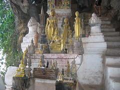 Many Buddhas in Pak Ou