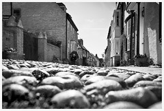 Streets of Rye . EXPLORED March 7th, 2015 :) (:: Blende 22 ::) Tags: greatbritain england bw white black streets canon blackwhite rye eastsussex ef24105mmf4lisusm canoneosd canoneos5dmarkii streetsofrye