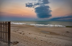 Mozambique Channel (Rod Waddington) Tags: africa african afrika afrique madagascar mozambique channel fence ocean clouds early morning moon