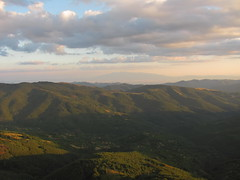 / Leskovdol at sunset (Deian Vladov) Tags:                leskovdol village bulgarie bulgaria europe balkan balkans grandbalkan staraplanina golemaplanina bulgria blcs forts fort collines hills sky ciel light golmaplanina lumire t montagne mountain nuages clouds view vue sunset europa coucherdesoleil
