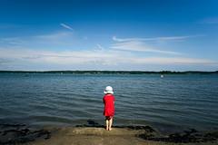 The Golden setup (Toni Ahvenainen) Tags: batis225 batis1885 beach sea swimming child aura baby meri water sand sun memories mastinlabs zeiss