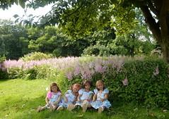 Kindergartenkinder ... (Kindergartenkinder) Tags: dolls himstedt annette kindergartenkinder essen park gruga garten kind personen annemoni milina sanrike tivi