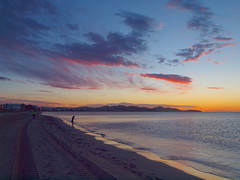 lonely on the beach before sunrise P5138397 (hans 1960) Tags: sky beach nature water strand sunrise meer wasser colours outdoor urlaub natur himmel s ibiza lonely sonne spanien farben espania holyday stille mittelmeer ruhe