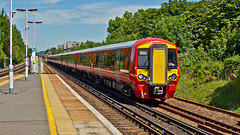 387217 (JOHN BRACE) Tags: 2015 bombardier derby built class 387 electrostar emu 387217 seen horley station gatwick express livery