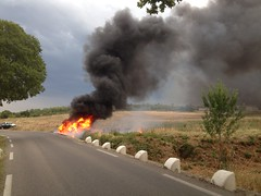 Photo du jour (maxguitare1) Tags: feu fire fuego fuoco iphone apple gard france incidente accidente accident incendie