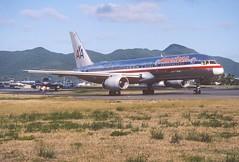 285ci - American Airlines Boeing 757-223; N184AN@SXM;07.03.2004 (Aero Icarus) Tags: avion plane aircraft flugzeug slidescan princessjulianainternationalairport saintmartin sintmaarten sxm americanairlines boeing757 n184an