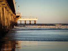 Muelle (mauro.tch) Tags: sea beach mar sand nikon playa arena coolpix oceano p510