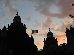 Sunset silhouette and Mexican flag, Catedral Metropolitana, Mexico City (Paul McClure DC) Tags: mexicocity mexico feb2015 distritofederal cathedral architecture historic ciudaddeméxico cdmx flag