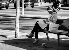 ... somethings _ in _ common ... (Fede Falces ( ...... )) Tags: life urban blackandwhite bw music girl beautiful beauty fashion contrast bench cool shadows phone noiretblanc candid streetphoto common stgermain bnw listen somethings surething johnleehooker