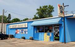 Best Plaza Liquor (Cragin Spring) Tags: blue building bestplazaliquor liquors liquorstore liquor pabst pbr sign beersign stougton stoughtonwi stoughtonwisconsin wi wisconsin midwest unitedstates usa unitedstatesofamerica