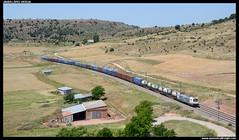 TECO en Moratilla de Henares (javier-lopez) Tags: ffcc railway train tren trenes adif renfe mercancas teco contenedor contenedores 253 traxx lgnss sgnss cp unit45 cronos entroncamento vilarformoso barcelonacantunis moratilladehenares 26062016