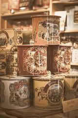 Pyramide de gourmandises (S@ndrine Nel) Tags: pyramide gourmandises boites gteaux closeup shop boutique lyon cake box treats nelsandrine