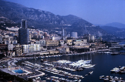 "090F Monaco • <a style=""font-size:0.8em;"" href=""http://www.flickr.com/photos/69570948@N04/15726234707/"" target=""_blank"">View on Flickr</a>"