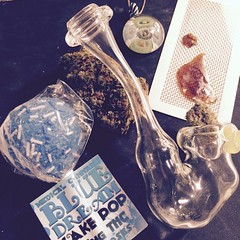 The scoop from the #MedicatedMansion @immaculateglass Sherlock and reefer pendy. @otb_extracts hogs breath. @kush_cake_pops blue dream cake pop (weedstache) Tags: weed jane mj mary 420 medical pot oil wax cannabis 710 dank dabs prop215 weedstache