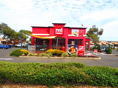 Red Rooster Edwardstown (former Chicken Treat) - Signage Upgrade (RS 1990) Tags: signage adelaide former february friday southaustralia upgrade 27th 2015 redrooster castleplaza chickentreat edwardstown