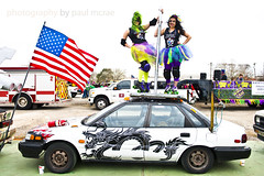 Roller Derby Girls on Dragonfire (Paul McRae (Delta Niner)) Tags: costume rollerderby americanflag heroes artcar texascity tutu dragonfire