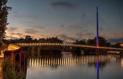 Christchurch Bridge, Reading at dusk (Steve Franklin Images) Tags: bridge river sunset dusk architecture structure christchurchbridge reading caversham berkshire unitedkingdom bluehour goldenhour riverthames