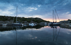 A safe harbour (Per-Karlsson) Tags: bohusln bohuslan sweden scandinavia swedishwestcoast westcoast westsweden outdoor sea sky land rocks tranquil moored yatchs yatch boats sailboat islands stillness reflection reflections marstrand kon