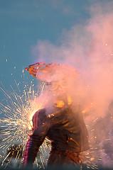 Opening Reuring_Burnt out punks (Piet Bink (aka)) Tags: show fun fire funny theater fireworks flames entertainment cabaret explosions openlucht vuur leuk streettheatre burlesk vlammen explosies