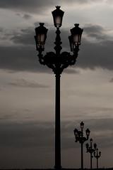 streetlight (Ruben Esparza Bayona) Tags: madrid farola streetlight royalpalace palacioreal sunset orange atardecer naranja
