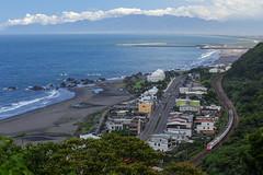 Wai'ao, Yilan, Taiwan _IMG_3068 (Len) Tags: waiao   yilan   taiwan beach      train railway  landscape 6d ef70300mmf456isusm  70300