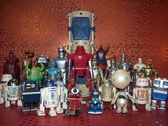 Chaptere 28 (John Chanaud) Tags: robots marvin paranoidandroid powerdroid r2d2 c3po gort robbytherobot r5d4 21b fx7 ig88 raydeen