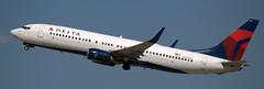 Boeing 737-832 N386DA (707-348C) Tags: losangeles thehill lax klax airliner jetliner boeing b738 boeing737 pasenger deltaairlines delta dal n3761r skyteamcolours n386da