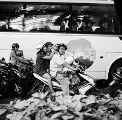 Family Day out (mteckes) Tags: hasselblad 500c bw kodak kodaktrix trix ziessplanar80mm28 zeiss saigon hochiminhcity vietnam film blackandwhite monochrome