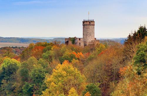 Burg Pyrmont im Herbst